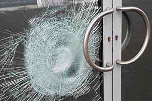 broken-glass-door-300x200